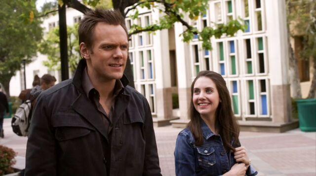 File:1x25 Jeff and Annie walk4.jpg