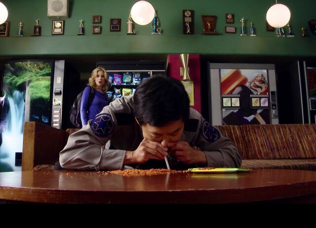 File:3X19 Chang snorts a bag of corn chips.jpg