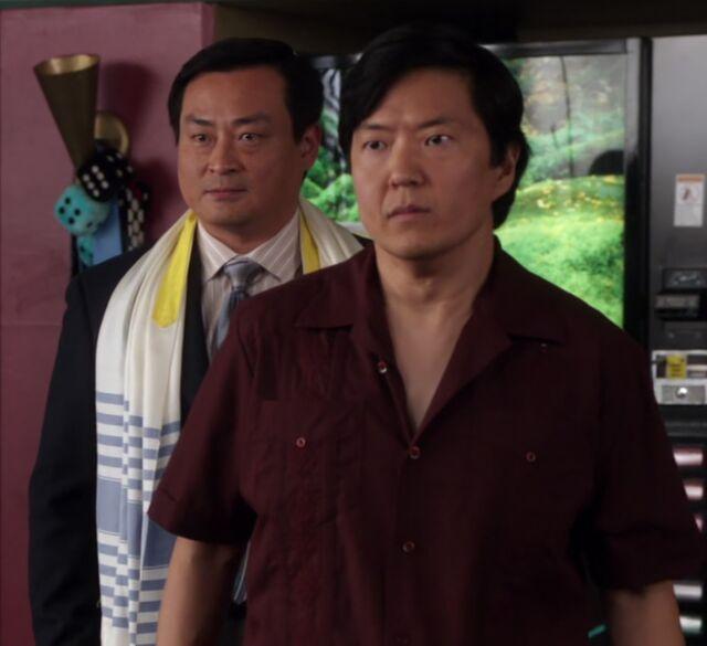 File:S01E18-Senor and Rabbi Chang.jpg