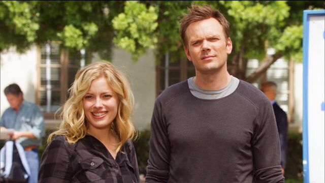 File:1x4 Jeff and Britta say hello to Vaughn.jpg