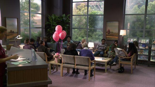 File:S02E16-Brooks Hospital Waiting Room.jpg