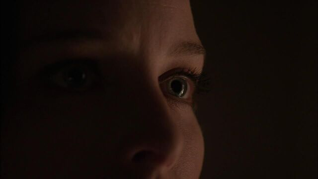 File:1x02 kiera eyes.jpg