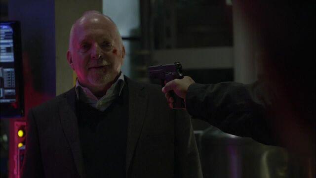 File:1x02 let him go.jpg