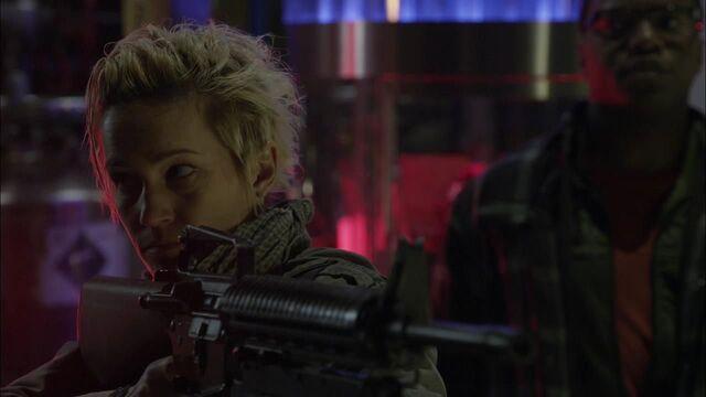 File:1x02 garza gun.jpg