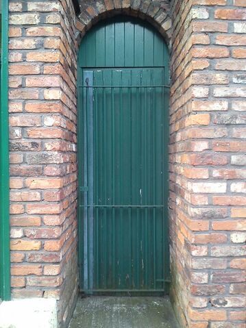 File:Rovers toilets ginnel.jpg