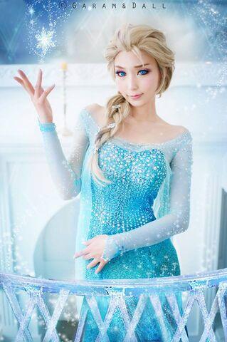 File:Ren-Elsa.jpg