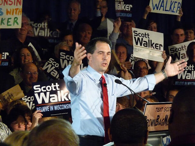 File:800px-Scott Walker primary victory 2010.jpg