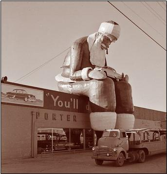 File:GiantSanta.jpg