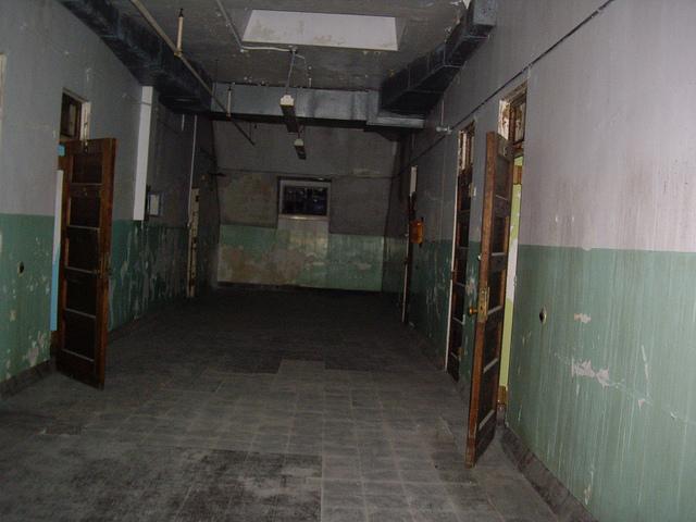 File:Hallway.jpg