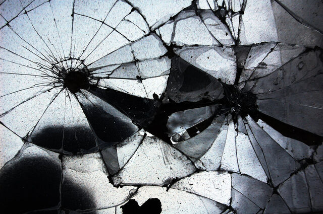 File:Broken mirror by jmottola.jpg