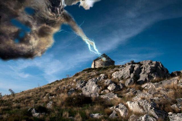 File:Perun-thunder-strike-758x504.jpg