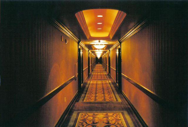 File:Creepy Hallway 2 by paisteguy.jpg
