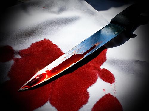 File:Bloody-knife.jpg