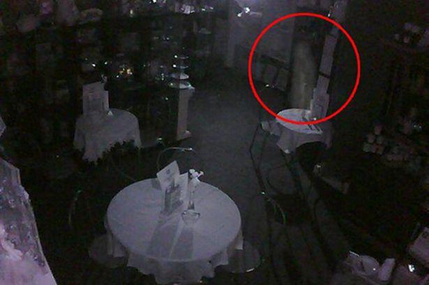 File:Perth-tearoom-ghost-877622987.jpg