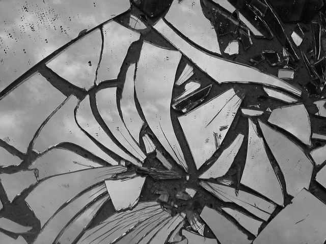 File:Broken mirror chaos deities death.jpg