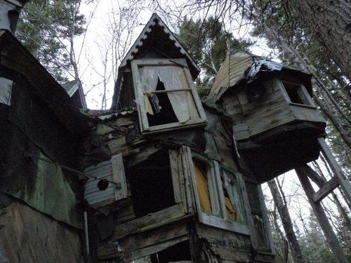 File:In my Dreams... House in the Woods.jpg