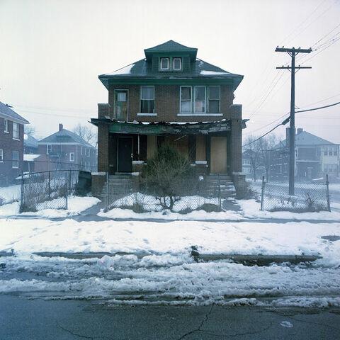 File:Abandoned house 3.jpg