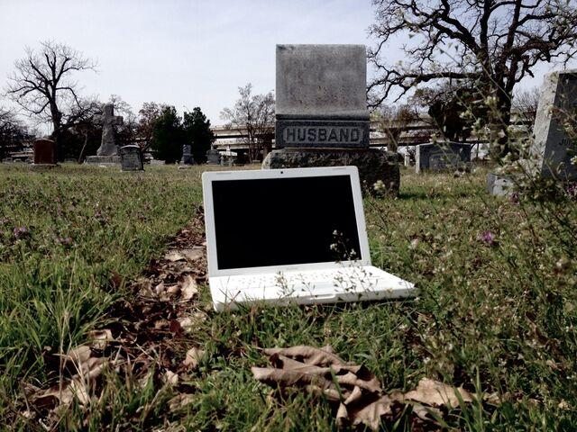 File:GraveyardMacBook.jpg