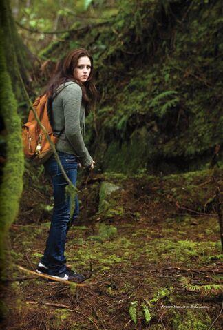 Archivo:Bella Swan bosque.jpg