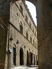 Calles de Volterra.jpg