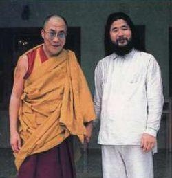 File:Asahara with dalai lama.jpg