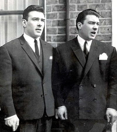 File:Ronnie and Reggie Kray.jpg