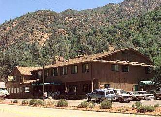 File:Cedar Lodge Motel.jpg