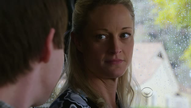 File:Teri Polo on the show.jpg
