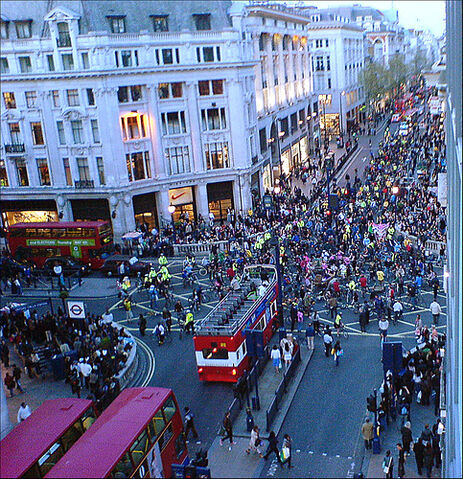 File:Hippies take over oxford circus.jpg
