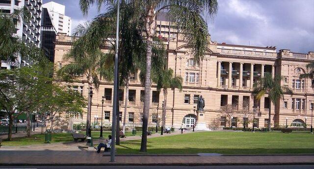 File:Queens Gardens Brisbane.jpg