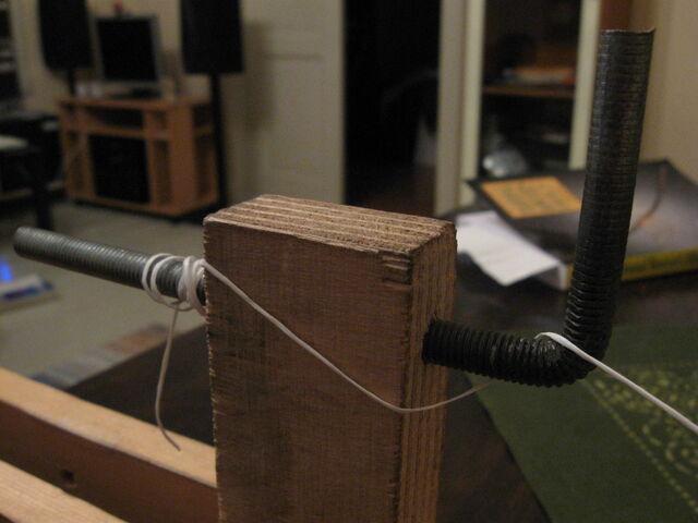 File:Making endless loop strings-1024x768-01.jpg