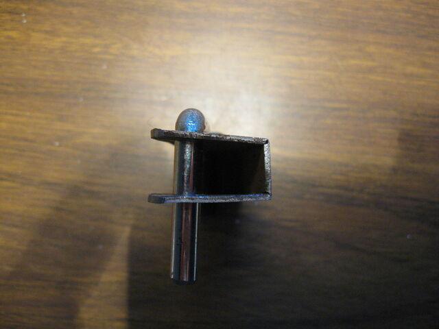 File:Making simple bastard string fasteners-1024x768-09.JPG
