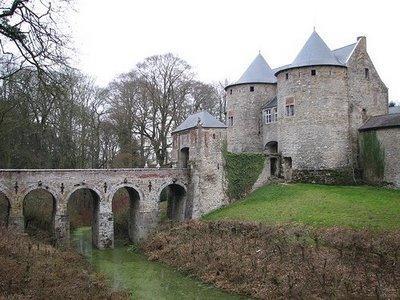 File:Not-a-palace castle.jpg