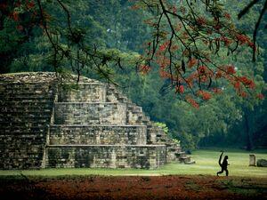 Maya-tomb-honduras-garrett 25994 990x742