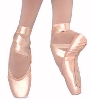 File:Pointe-shoes.jpg