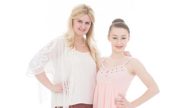 File:Cast2-Kelly-and-Eleiyah.jpg