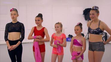 UK 208 Girls
