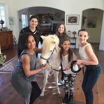 Girls with ponypearl7 - instagram