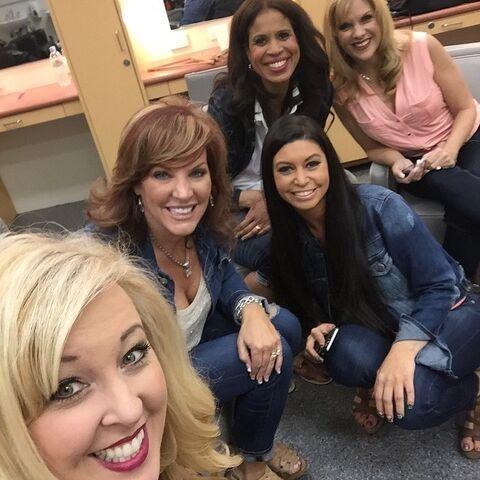 File:ALDC moms Jess Jill Kira Holly Melissa 2015-03-12.jpg