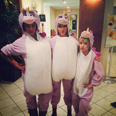 File:Unicorns Nia Kalani Mackenzie Halloween2014.jpg