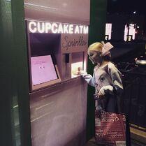 JoJo at Cupcake ATM 2015-01-24