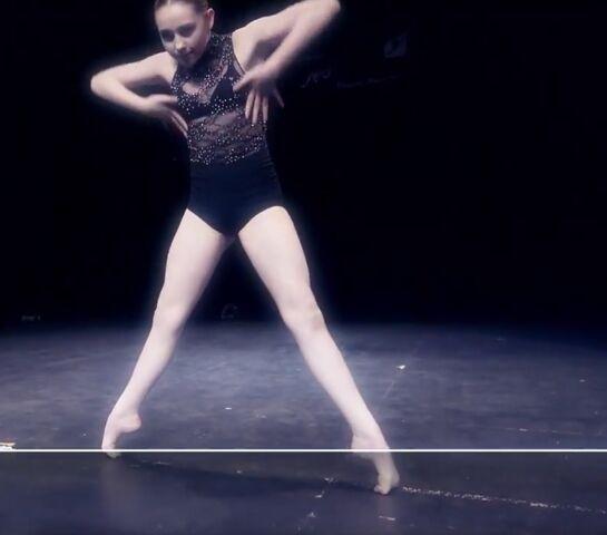 File:Dance Mums 207 Sam solo 1.jpg