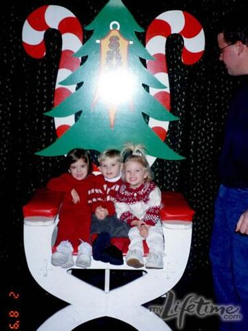 File:Young Hylands at Christmas.jpg