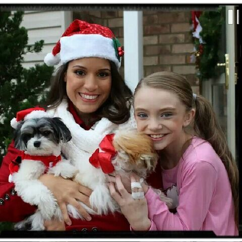 File:Sarah Hunt - Puppy for Christmas music video.jpg