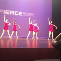 711 Group dance