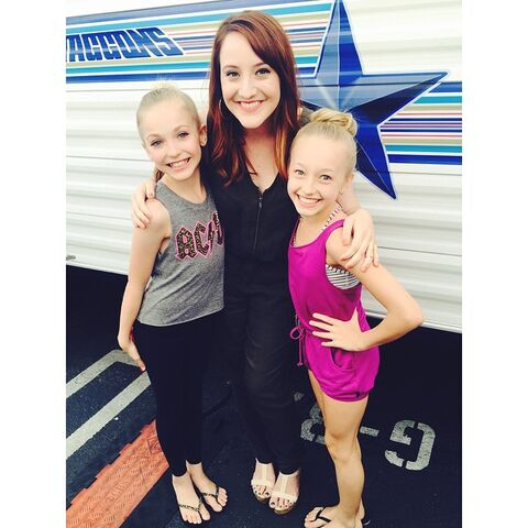 File:Molly Long with Brynn Rumfallo and Jaycee Wilkins - Dancing with the Stars - 5May2015.jpg