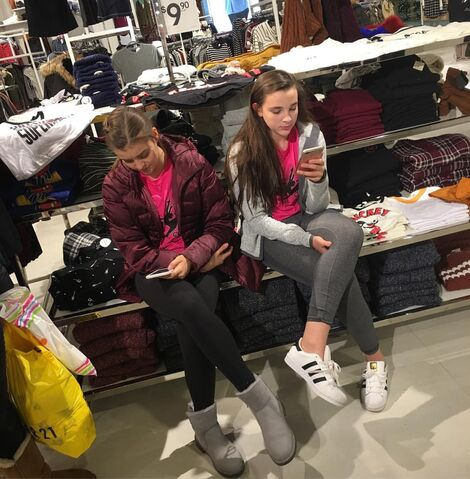 File:713 Kalani and Kendall in costume shop.jpg