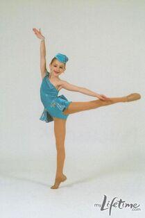 Chloe I Like To Fuss recital pic