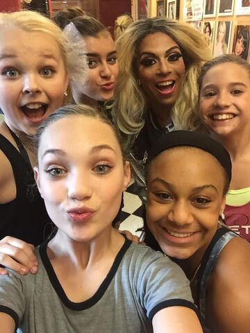 File:Shangela Laquifa with team - Where in the world is Abby Lee Miller.jpg