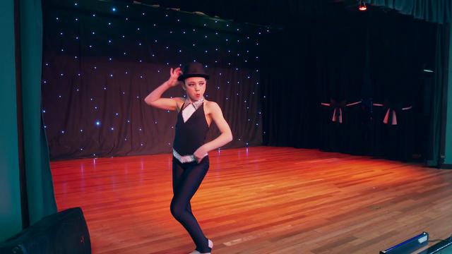 File:Dance Mums 204 Leah 3.png